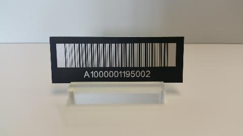 Etiquette inventaire en aluminium anodisé noir gravure laser blanche